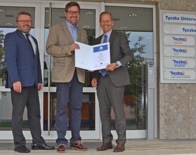 v.l.n.r.: Normann Riepold (Leiter Sicherheit, Qualität & Umwelt, Tyczka Energy), Dr. Martin Kümmerlin (Berufsgenossenschaft Handel und Warenlogistik BGHW), Dr. Frank Götzelmann (Geschäftsführer, Tyczka Energy)